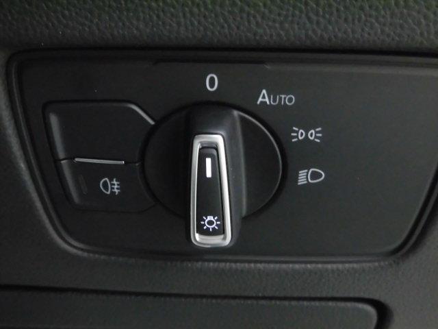 TSI 4モーション Rライン 認定中古車 キーレスエントリー 盗難防止システム 記録簿 4WD サイドエアバッグ ナビ バックモニター ステアリングスイッチ(9枚目)