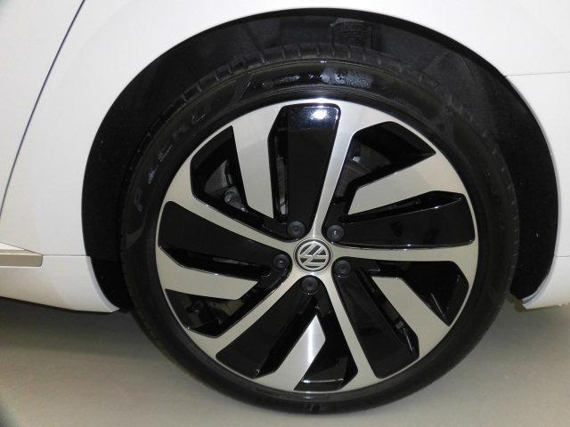 TSI 4モーション Rライン 認定中古車 キーレスエントリー 盗難防止システム 記録簿 4WD サイドエアバッグ ナビ バックモニター ステアリングスイッチ(19枚目)