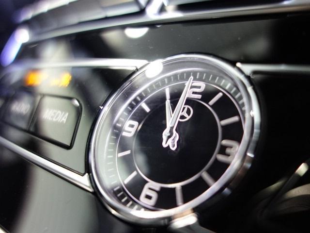 E200 アバンギャルド AMGライン エクスクルーシブPKG レーダーセーフティPKG ブルメスタサウンド ヘッドアップディスプレイ 360カメラ パワートランク バックカメラ メルセデスミーコネクト メモリー付パワーシート シートヒータ(6枚目)