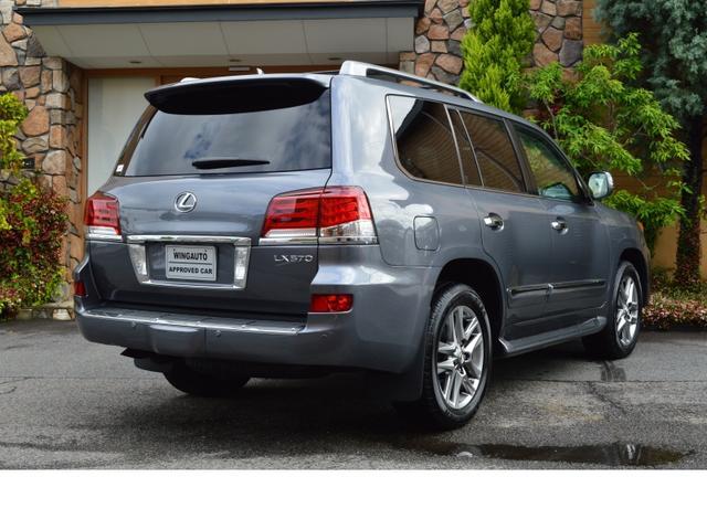 AWD LUX PKG 新車並行車 当社顧客様1オーナー(2枚目)