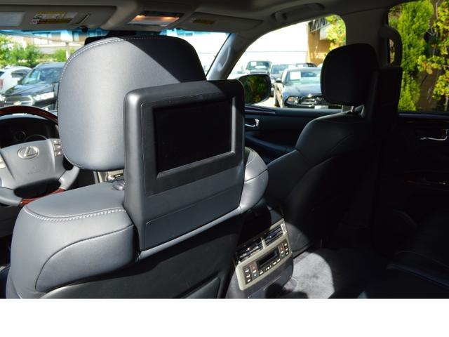 AWD LUX PKG 新車並行車 当社顧客様1オーナー(17枚目)