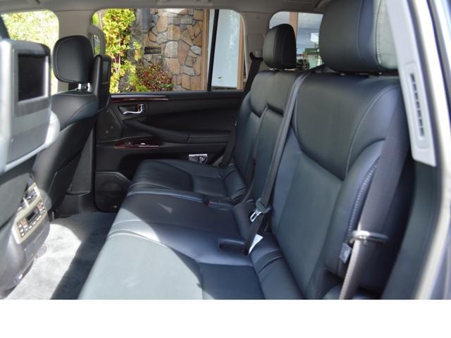 AWD LUX PKG 新車並行車 当社顧客様1オーナー(18枚目)