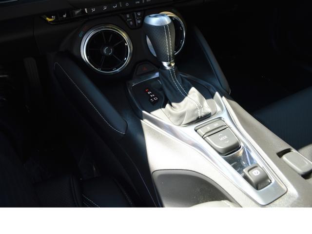 バックカメラの映像もより鮮明になり、「Apple CarPlay」や「Android Auto」といったカーナビにも対応している他、Boseのプレミアムオーディオシステムも用意されています。