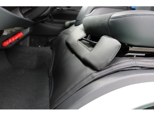 スーパーGL ダークプライムII ディーゼルターボ 4WD ライトカスタムPKG 17インチアルミ 社外ナビ サイドパイプ付き(31枚目)