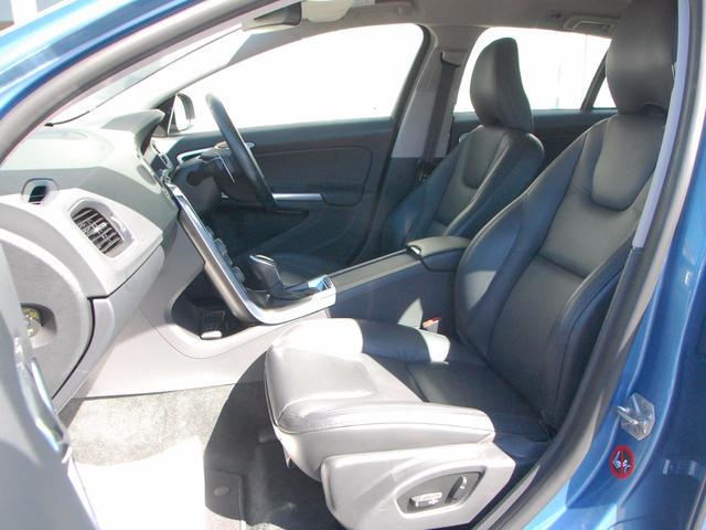 ボルボ ボルボ V60 T4 SE パドルシフト 本革 キーレスドライブ 2年保証付