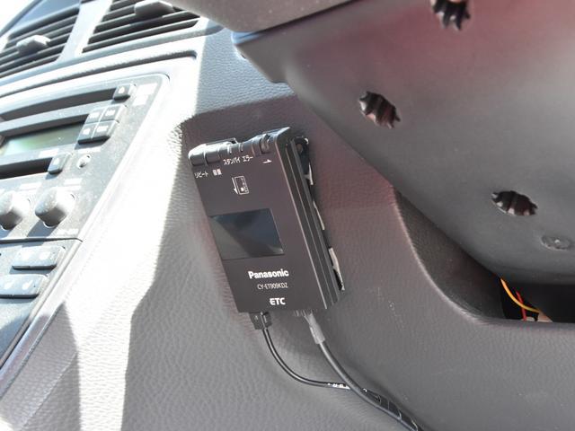 ボルボ ボルボ V70 2.4ダイナミックエディション ワンオーナー 2年保証付