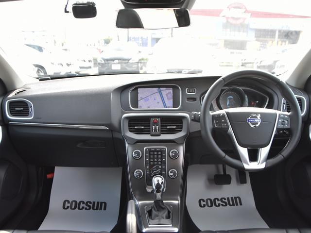 ボルボ ボルボ V40 T4 SE 黒本革シート 純正ナビTV 2年保証付