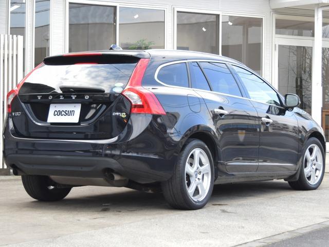 車両本体価格に含まれる無料整備は、車検適合範囲内の最低限の納車前整備となります。中古車として新しいオーナー様に切り替わるタイミングで徹底したリフレッシュを行う【ベーシック整備(有料)】が御座います。