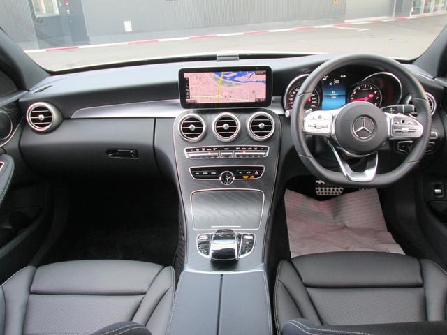 内装:インパネ全体の写真です。この車両は外装だけでなく内装もとてもきれいな車で、自信を持ってご案内させて頂きます。是非ともその目で現車をご覧頂きたいと思っております!