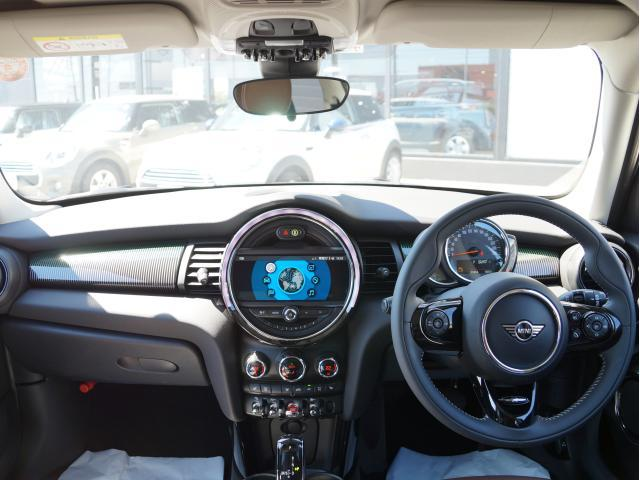 クーパー 60イヤーズエディション レザーシート シートヒーター 17インチ ナビ LEDヘッドライト リアカメラ PDC前後 コンフォートアクセス 軽減ブレーキ SOSコール(15枚目)