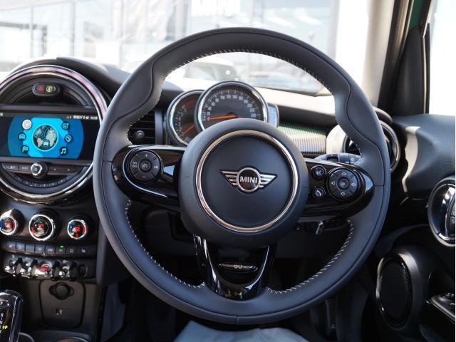 クーパー 60イヤーズエディション レザーシート シートヒーター 17インチ ナビ LEDヘッドライト リアカメラ PDC前後 コンフォートアクセス 軽減ブレーキ SOSコール(16枚目)