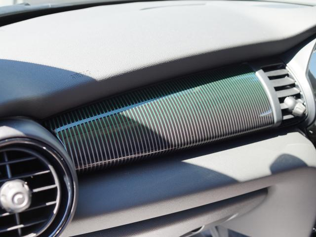クーパー 60イヤーズエディション レザーシート シートヒーター 17インチ ナビ LEDヘッドライト リアカメラ PDC前後 コンフォートアクセス 軽減ブレーキ SOSコール(31枚目)