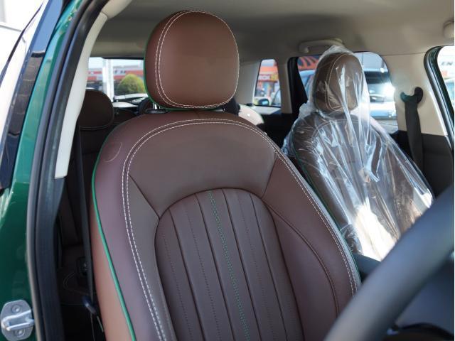 クーパー 60イヤーズエディション レザーシート シートヒーター 17インチ ナビ LEDヘッドライト リアカメラ PDC前後 コンフォートアクセス 軽減ブレーキ SOSコール(43枚目)
