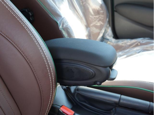 クーパー 60イヤーズエディション レザーシート シートヒーター 17インチ ナビ LEDヘッドライト リアカメラ PDC前後 コンフォートアクセス 軽減ブレーキ SOSコール(45枚目)