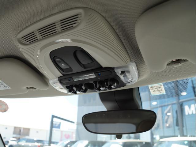 クーパー 60イヤーズエディション レザーシート シートヒーター 17インチ ナビ LEDヘッドライト リアカメラ PDC前後 コンフォートアクセス 軽減ブレーキ SOSコール(49枚目)