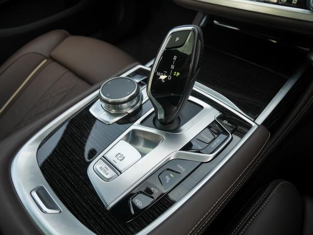 740eアイパフォーマンス Mスポーツ2年BPSデモ認定車(11枚目)