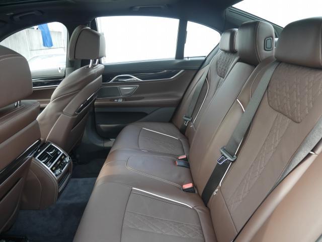 740eアイパフォーマンス Mスポーツ2年BPSデモ認定車(15枚目)