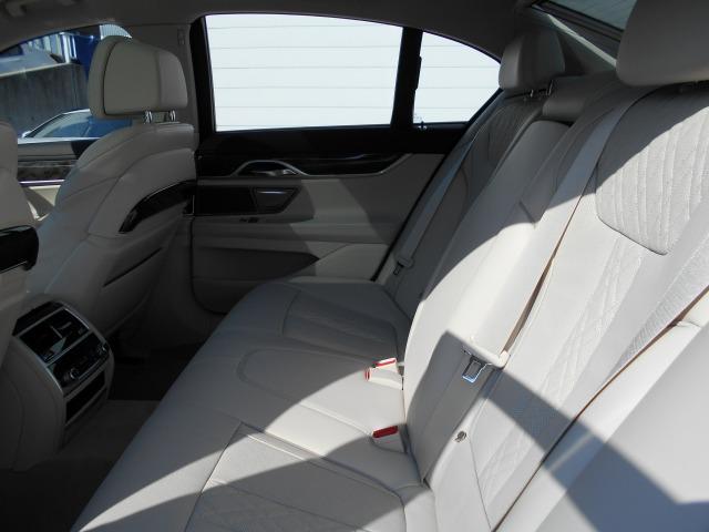 740eアイパフォーマンス エクゼクティブ2年BPS認定車(14枚目)