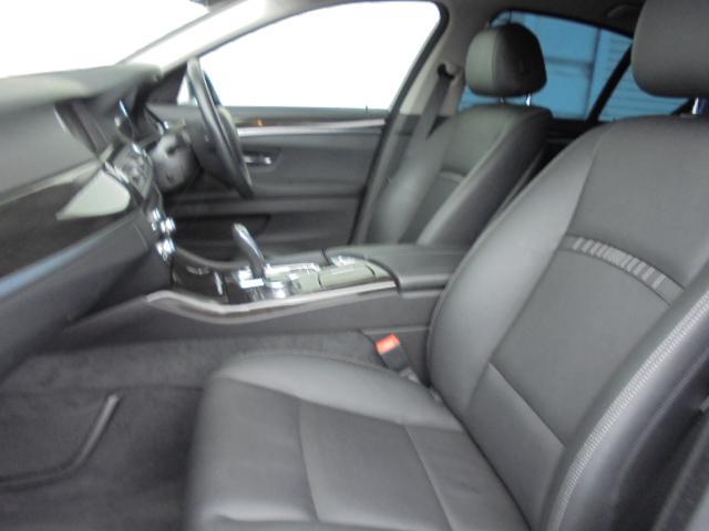 523d ラグジュアリー黒革LEDヘッドACC禁煙認定中古車(13枚目)