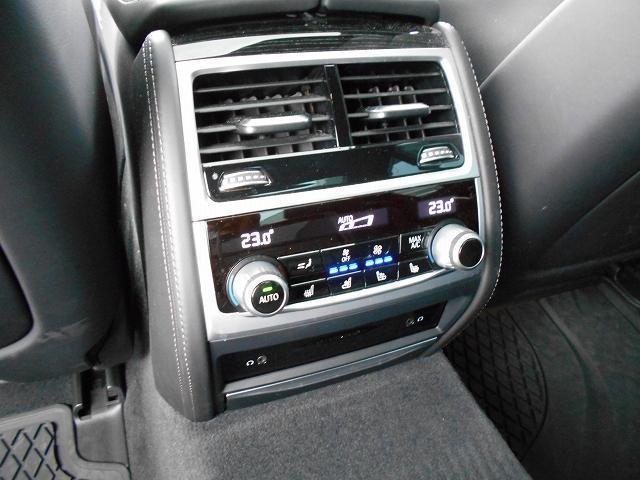 750i Mスポーツ 20AWリヤコンフォートPKG黒革リヤモニターガラスサンルーフハーマンカードンHi-Fiドラレコ1オーナー認定中古車(18枚目)