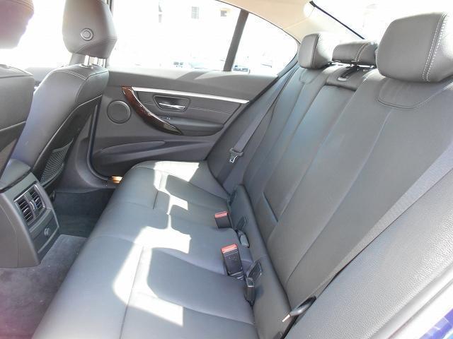320iラグジュアリー 17AW黒革社外DTV後期8AエンジンACC禁煙1オーナー認定中古車(21枚目)