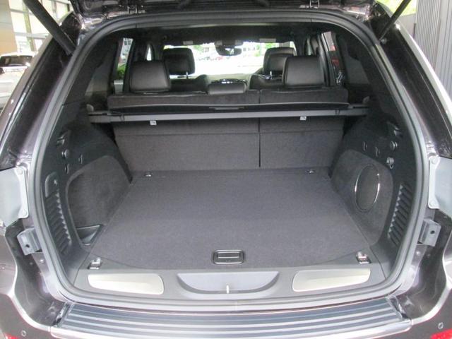 エアサスペンション付きの4WDシステムです。