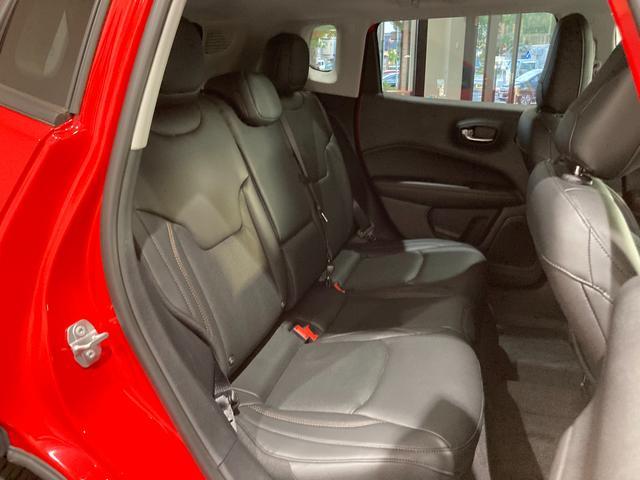 リミテッド 弊社オーナー様買取車 レザーシート 4WD HIDヘッドライト(21枚目)