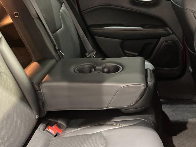 リミテッド 弊社オーナー様買取車 レザーシート 4WD HIDヘッドライト(22枚目)