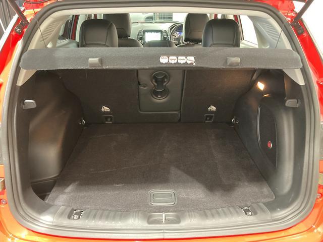 リミテッド 弊社オーナー様買取車 レザーシート 4WD HIDヘッドライト(24枚目)