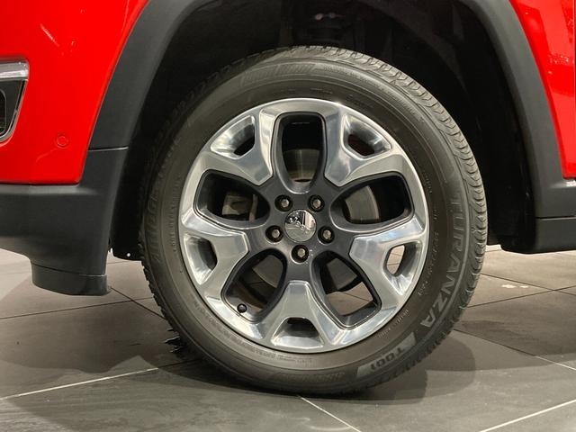 リミテッド 弊社オーナー様買取車 レザーシート 4WD HIDヘッドライト(26枚目)