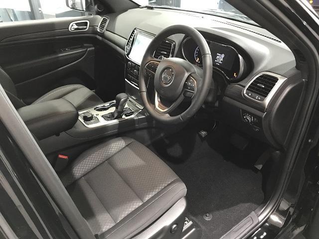 ラレード 認定中古車保証付 整備付 弊社デモカー 8.4インチ純正ナビ DSRC クルーズコントロール(3枚目)