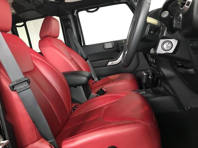 ルビコン ハードロック 赤レザーシート 認定中古車保証(2枚目)