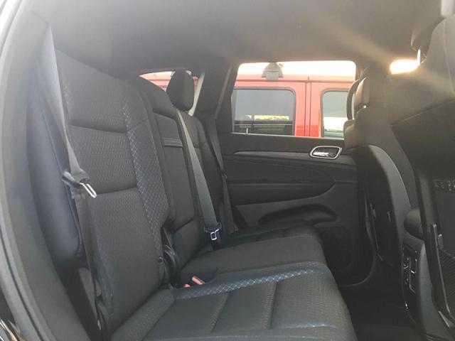ラレード フルタイム4WD ファブリックシート 当店試乗車(4枚目)