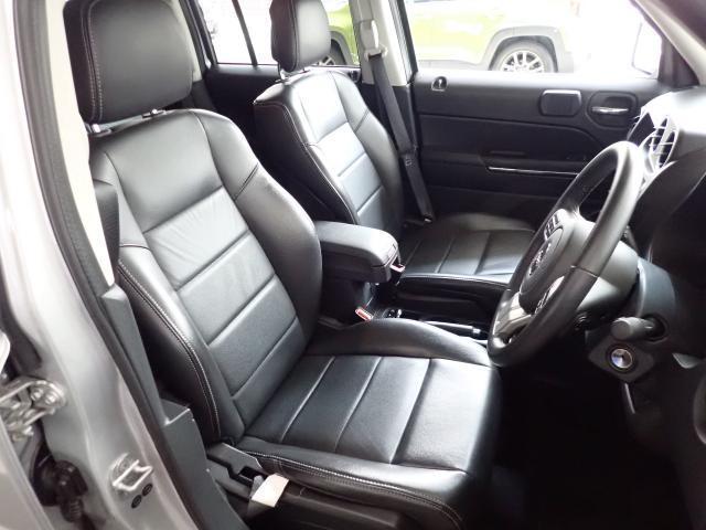 大きなシートがゆったりとしたドライブを楽しめる一つのポイントです。