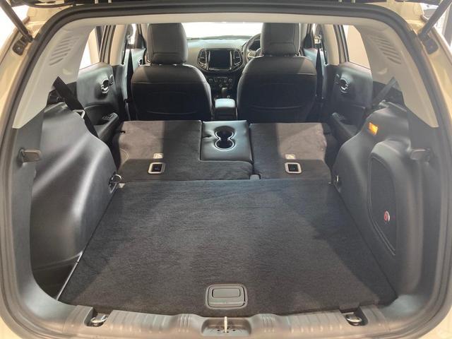 リミテッド 認定中古車保証 整備付 四輪駆動 安全装備 純正ナビゲーション 純正18インチAW レザーシート シートヒーター アダプティブクルーズコントロール バックカメラ クリアランスソナー(18枚目)