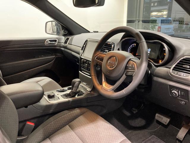 ラレード認定中古車保証 整備付 8.4インチナビゲーション ETC バックカメラ ルーフレール(9枚目)