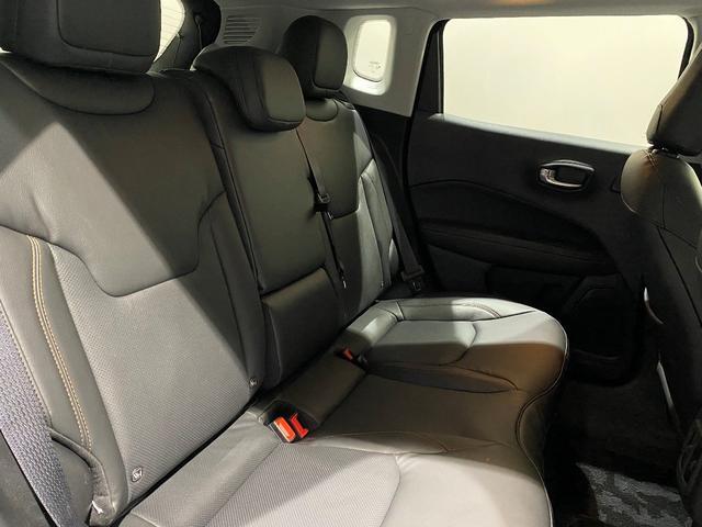 リミテッド 認定中古車保証 整備付 四輪駆動 安全装備 純正ナビゲーション 純正18インチAW レザーシート パワーリフトゲート シートヒーター アダプティブクルーズコントロール バックカメラ クリアランスソナー(12枚目)