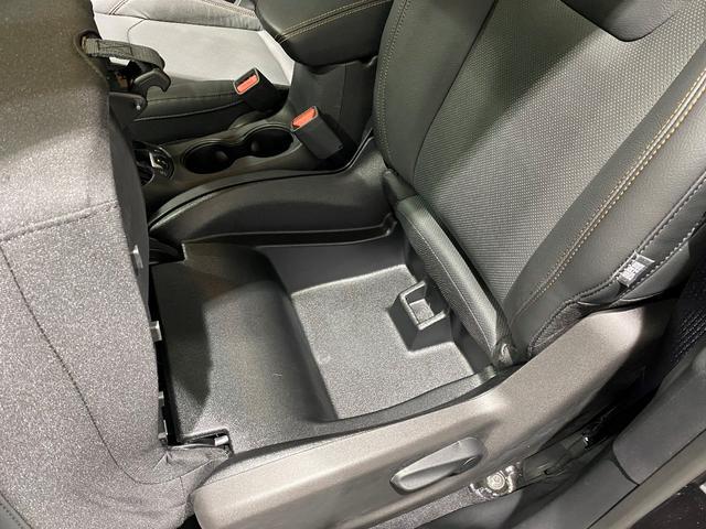 リミテッド 認定中古車保証 整備付 四輪駆動 安全装備 純正ナビゲーション 純正18インチAW レザーシート パワーリフトゲート シートヒーター アダプティブクルーズコントロール バックカメラ クリアランスソナー(19枚目)