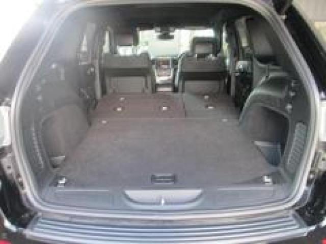 分割式のリアシートとなっておりますので荷物の大きさに応じてシートをアレンジできます!