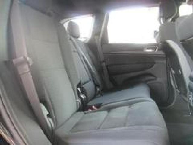 広々とした運転スペースで、ゆったりと、快適にドライブを楽しんでいただけれます!