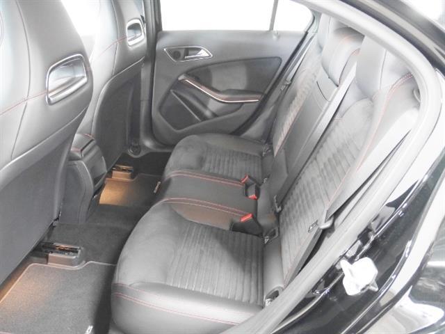 メルセデス・ベンツ M・ベンツ A180 ブルーエフィシェンシー スポーツ ナイトパッケージ