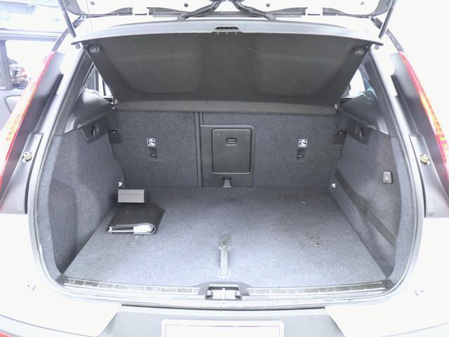 T4 AWD Rデザイン 1ヶ月保証 新車保証(8枚目)