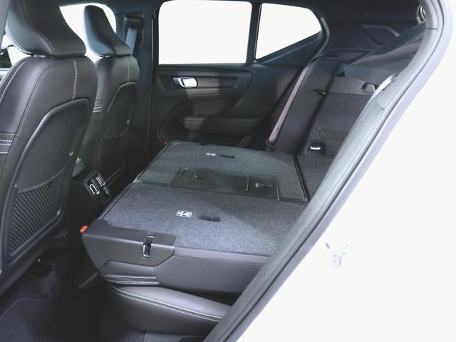 T4 AWD Rデザイン 1ヶ月保証 新車保証(10枚目)