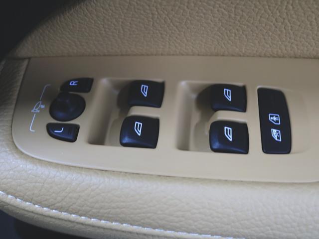 T5 モメンタム 本革 パワーシート トランクスルー フロアマット HDDナビ マルチ CD ミュージックサーバー 音楽プレーヤー接続 Bluetooth接続 フルセグ DVD再生 ETC(19枚目)