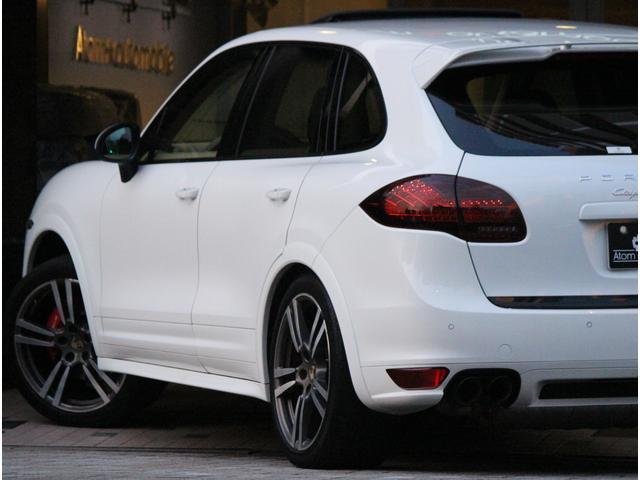 ポルシェ ポルシェ カイエン GTS タイヤ4本新品交換・車検整備付・21インチターボAW