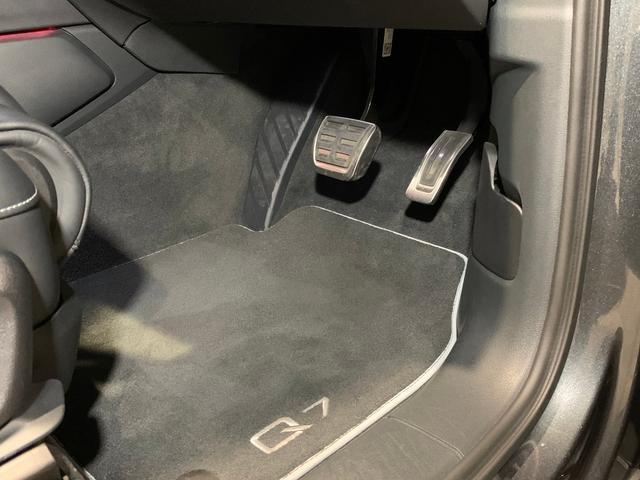 「アウディ」「アウディ Q7」「SUV・クロカン」「愛知県」の中古車22