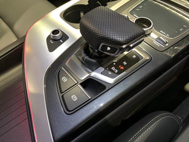 「アウディ」「アウディ Q7」「SUV・クロカン」「愛知県」の中古車43