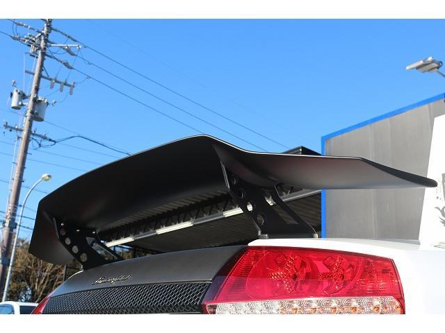 サイドLBパフォーマンスver2 マットブラックでラッピング施工!!文字はステッカーになりますのでお好みで剥がす事も出来ます。