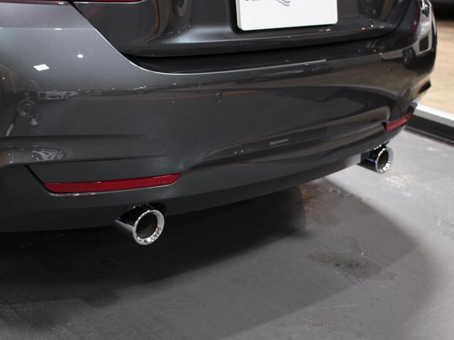 435iクーペ Mスポーツ オプションLEDヘッド フォグ 赤革シートH ACC追従クルコン インテリセーフ RDW カーボンリップ 黒ドアミラー Mパフォ黒グリル Rスポ OP19AW(4本新品タイヤ) スマートキー 禁煙(9枚目)