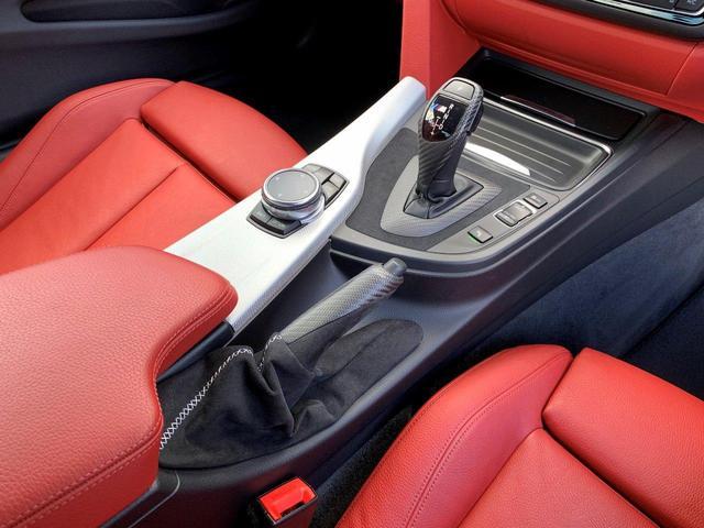 435iクーペ Mスポーツ オプションLEDヘッド フォグ 赤革シートH ACC追従クルコン インテリセーフ RDW カーボンリップ 黒ドアミラー Mパフォ黒グリル Rスポ OP19AW(4本新品タイヤ) スマートキー 禁煙(25枚目)